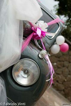 Dettaglio della macchina da cerimonia con allestimento in #rosa
