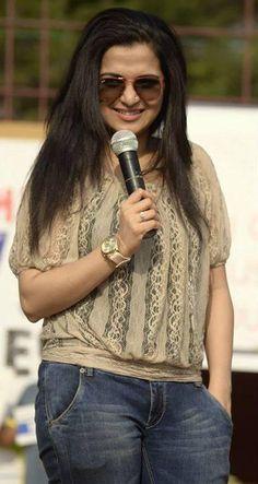 Stylish Divyadarshini | Veethi