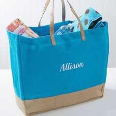I LOVE LOVE LOVE this Turquoise Burlap Bag! This tote is perfect for summer! You can personalize it with your monogram or name! #BeachBag #Burlap