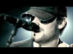 Drink In My Hand – Eric Church