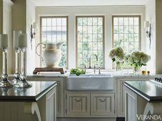 simple kitchen decor...