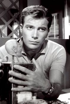 "William Shatner on ""Twilight Zone: Nick of Time"" (1960)"