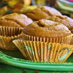Pumpkin Pie Muffins | Transform all the ingredients for pumpkin pie into a muffin for a festive breakfast treat or snack during the holiday season.