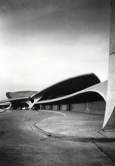 Terminal, John F. Kennedy International Airport    Eero Saarinen, TWA –Terminal, John F. Kennedy International Airport, New York. New York, 1962. Photographer Ezra Stoller. © Ezra Stoller/Esto.