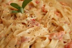 Garlic Cream Cheese Fettucine With Salmon: Just an inspiration to remind me how good pasta, salmon, and white sauce are together...along with some asparagus.