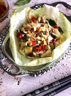 Larb Gai Lettuce Wraps [low carb, gf, low fat, high protein, low calorie] via Food Faith Fitness #clean #healthy