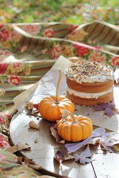 pumpkin delici, pumpkin cakes, outdoor parties, halloween cakes