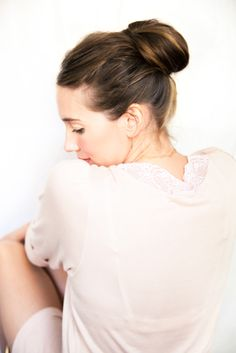 A CUP OF JO: DIY wedding hair: Chestnut bun