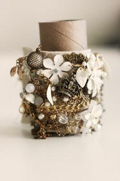 Gold Runway Inspired Bracelet Tutorial love it! must try! #ecrafty