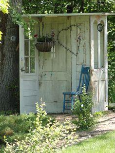 yard, garden hous, little gardens, outdoor space, reading nooks, sitting areas, old doors, seating areas, vintage doors