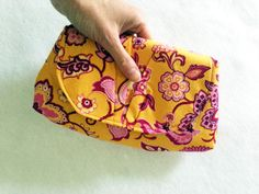Pink Peony Bag Pattern - If you're after a versatile free bag pattern that can be used as a shoulder bag, wristlet, or clutch the Pink Peony Bag Pattern may be just what you're looking for.