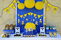 Graduation Party with free printables!