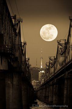 Full moon over Namdemun Tower, Seoul, Korea