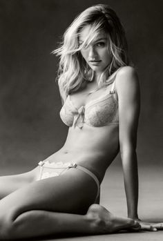 The Beauty of Candice Swanepoel (ಠ_ರೃ)