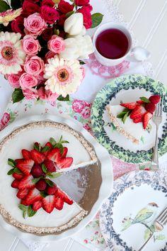 Raw Coconut Cream Pie 'n Berries