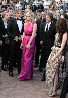 Le tapis rouge du jour est marqué par la présentation du film de Walter Salles, On The Road, adapté du roman culte de Jack Kerouac, Sur la route. Le film projeté en Compétition officielle, sort ce même jour en salles. De gauche à droite : Viggo Mortensen, Kirsten Dunst, Walter Salles et Kristen Stewart.