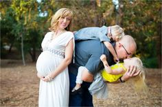 Maternity Family Pictures | Green Vintage Photography
