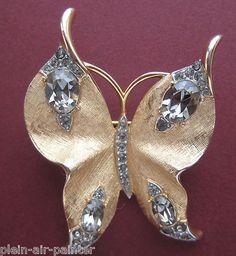 Trifari butterfly brooch from the 1960s. butterfli brooch