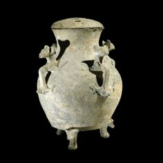 Potery Jar with dragon handles 4s bc zhou
