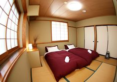 Top 12 Exotic Asian Style Bedroom Designs : Superb Beige Japanese Asian Style Bedroom Design with Twin LowProfile Beds and BuiltIn Bedroom T...