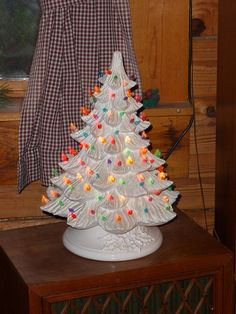 Vintage ceramic Christmas tree - reminds me of the one my mom has but w/ all green lights. Must find one for myself!