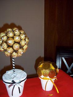 arbolito de bombones y monedas de chocolate