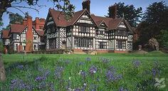 A William Morris House in the Midlands - lovely, lovely, lovely!