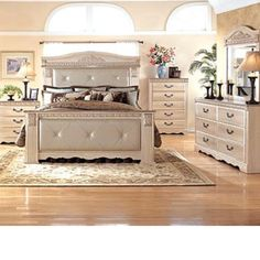 Cavallino King Mansion Poster Bed With Storage Footboard By Signature Design By Ashley Furniture