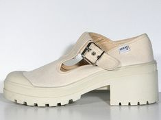 When it came to shoes…the chunkier, the better. | 55 Things Only '90s Teenage Girls Can Understand