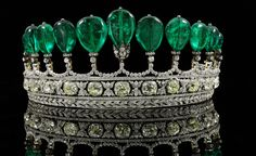 Another shot of the gorgeous tiara commissioned by Guido Count von Henckel, First Prince von Donnersmarck, for his second wife Princess Katharina.