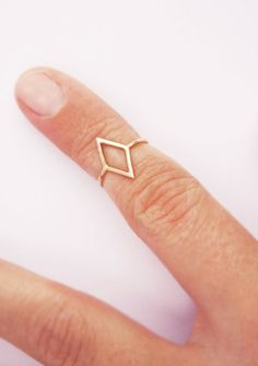 diamond shaped knuckle ring