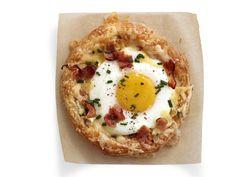 Breakfast in Bread Recipe : Food Network Kitchen : Food Network - FoodNetwork.com: looks good.