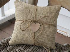 idea, ring pillows, burlap pillows, ring bearer pillows, burlap ring