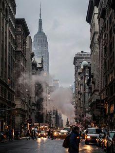 Empire State Building #manhattan #nyc #newyork #newyorkcity #rain #fog #taxi #street