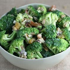 Refreshing and easy Broccoli Salad