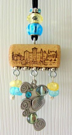 Wine cork ornament with shells