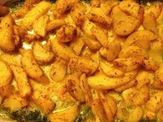 Spinazie uit de oven met kip, kaas en gekruide aardappeltjes. Erg geliefd bij kinderen. Topper op Welke.