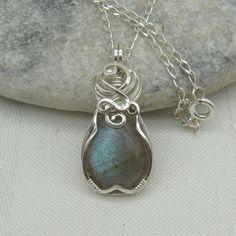 Labradorite Necklace - Labradorite Pendant - Labradorite Jewelry - Sterling Silver. $60.00, via Etsy.
