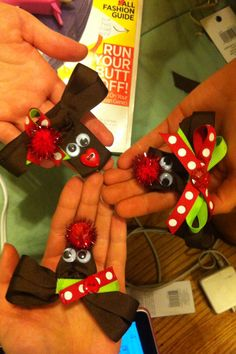 DIY Rudolph bows!