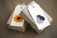 flower tag, gift wrapping, gift tags, press flower, flower gift