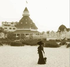 Haunted Hotels including the Hotel Del Coronado in Southern California. Rooms with a boo: Checking into a haunted hotel - USATODAY.com