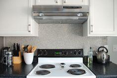 Stainless Steel Range Hood #kitchen | www.livelygreendoor.com