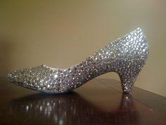 DIY RHINESTONE SHOES!!! :  wedding bling shoes rhinestones silver inspiration diy SHOES6