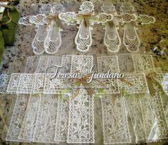 Cruces bordadas (italianas) para recuerdos de Primera Comunion www.coqueteriasmanuales.com