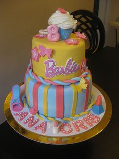 Barbie theme party by Fiesta Fun Cupcakes, via Flickr