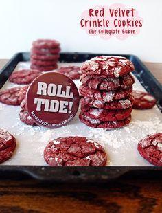 Red Velvet Crinkle Cookies www.thecollegiatebaker.com