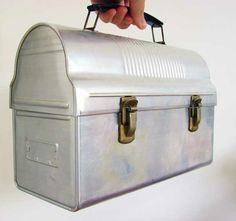 Vintage Lunchbox - exactly like the one my Dad carried to work in the 60's and 70's!!