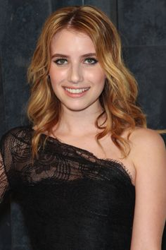 Emma Roberts relaxed, wavy hairstyle