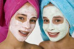 Homemade Spa Treatments for Kids  (facial scrubs, pedicure and more recipes) Facial Masks, Spa Day, Spa Parti, Homemade Spa Treatments, Facial Scrubs, Funny Costumes, Homemade Facials, Homemad Spa, Kid