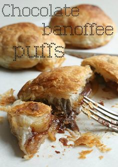 Chocolate banoffee puffs - bananas, chocolate and caramel sauce wrapped in flaky puff pastry!